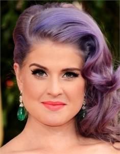 kelly-osbourne-capelli-fluo